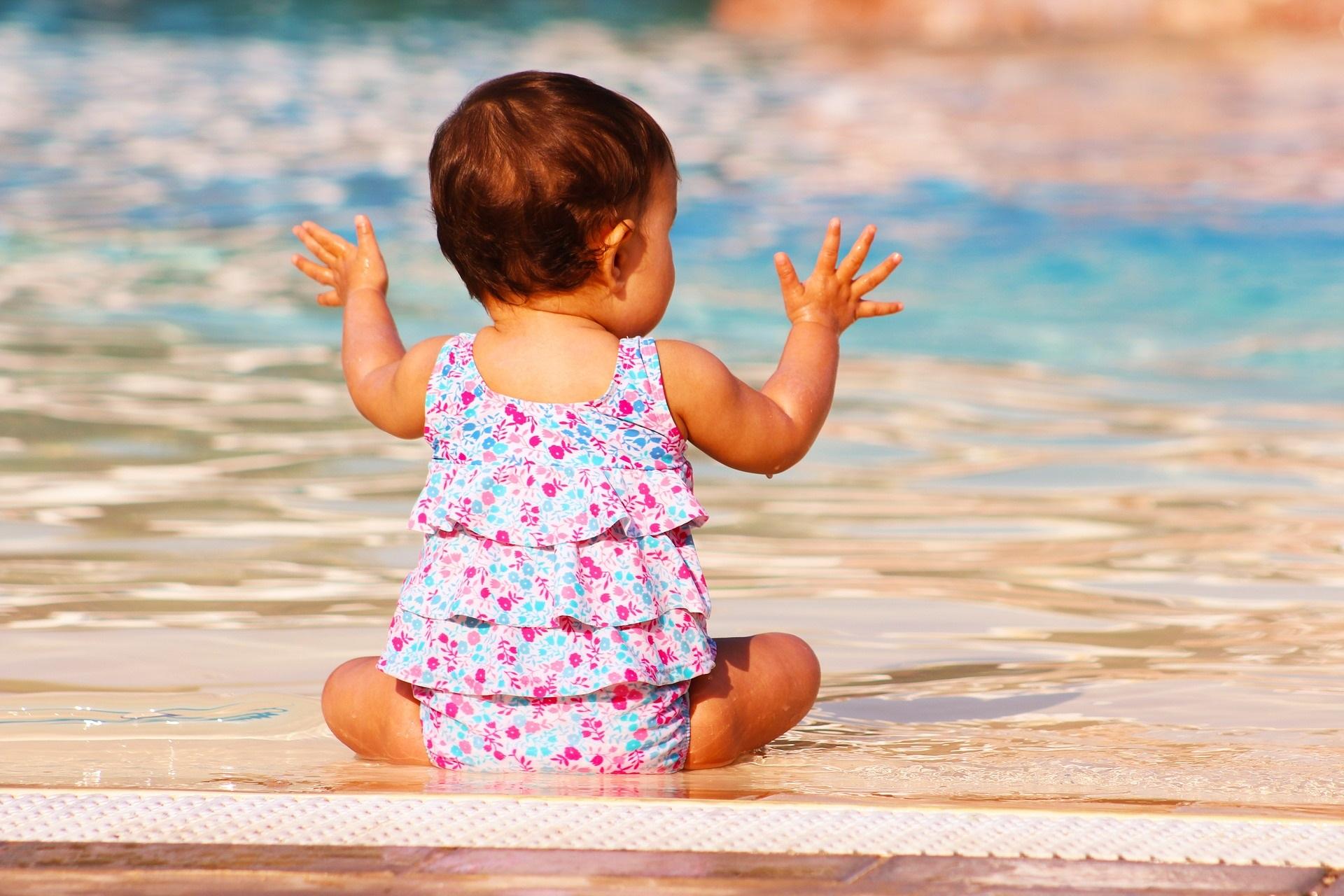 ob am Pool...
