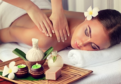 Massage Behandlung in der Beauty Oase