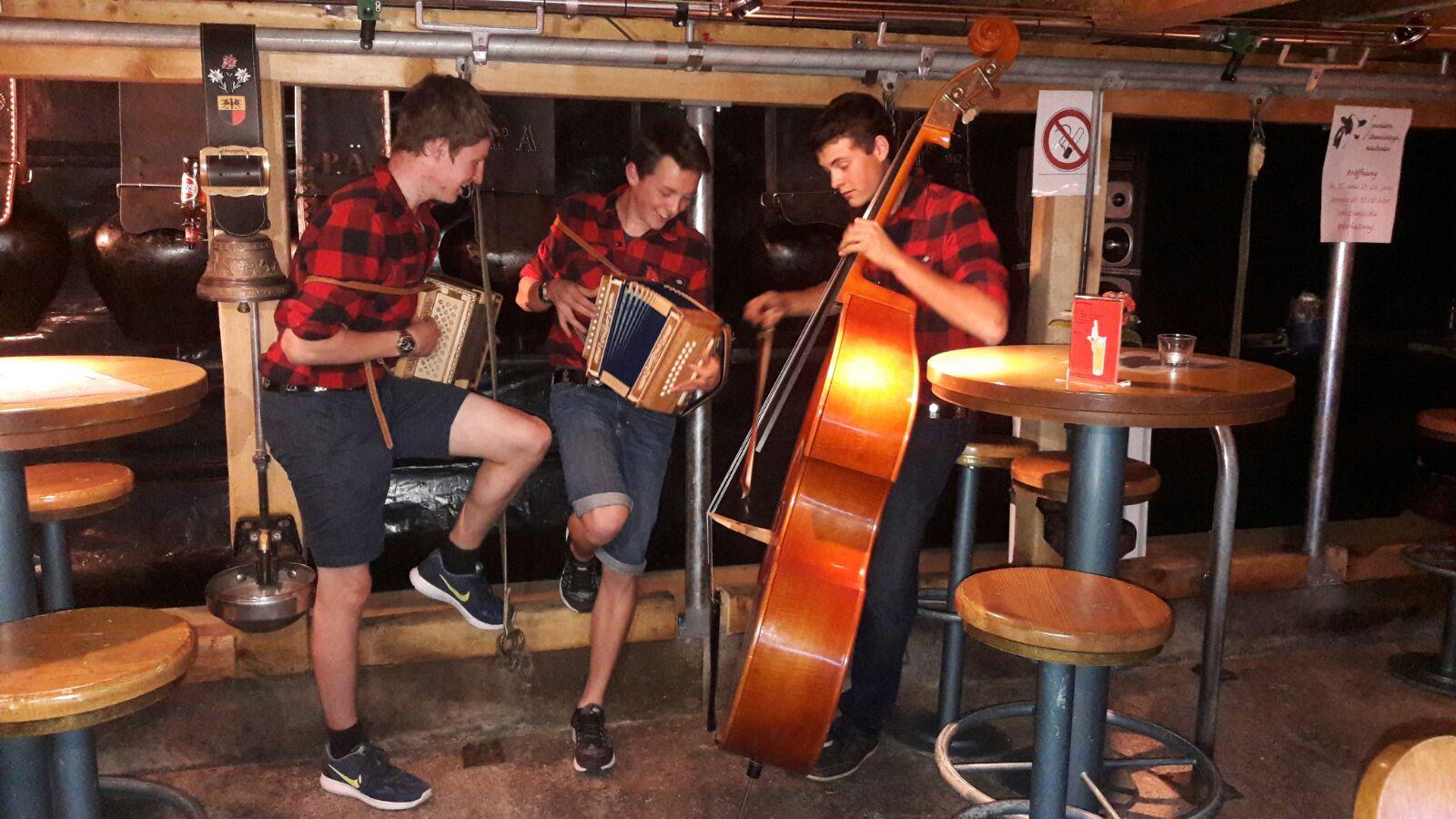 Spontaneinsatz in der Stallbar, Adelboden 2016