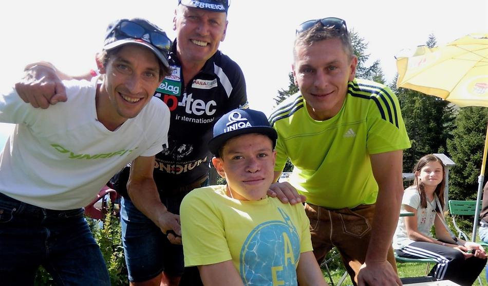 Michael Kurz, Wolfgang Dabernig, Simon Guggenberger und Ingo Ortner freuen sich über eine gelungene Veranstaltung ©Bergsteigerdorf Mauthen