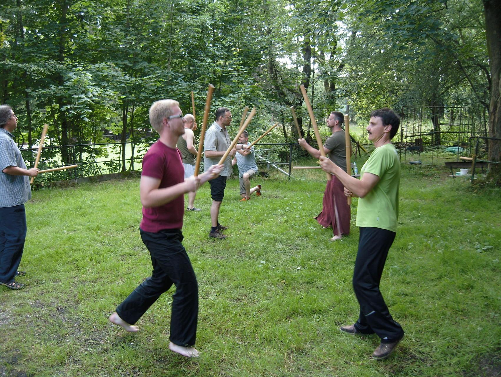 Gib keinem Mann ein Schwert in die Hand, der nicht tanzen kann - Kursteil 2 Jahreskreis der Männer