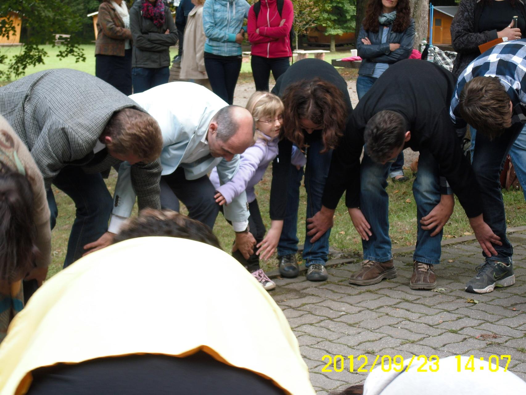 Wir tanzen jetzt den Lapadu - Präsentation des Fröhlich bunten Liederbuches am 23.09.2012