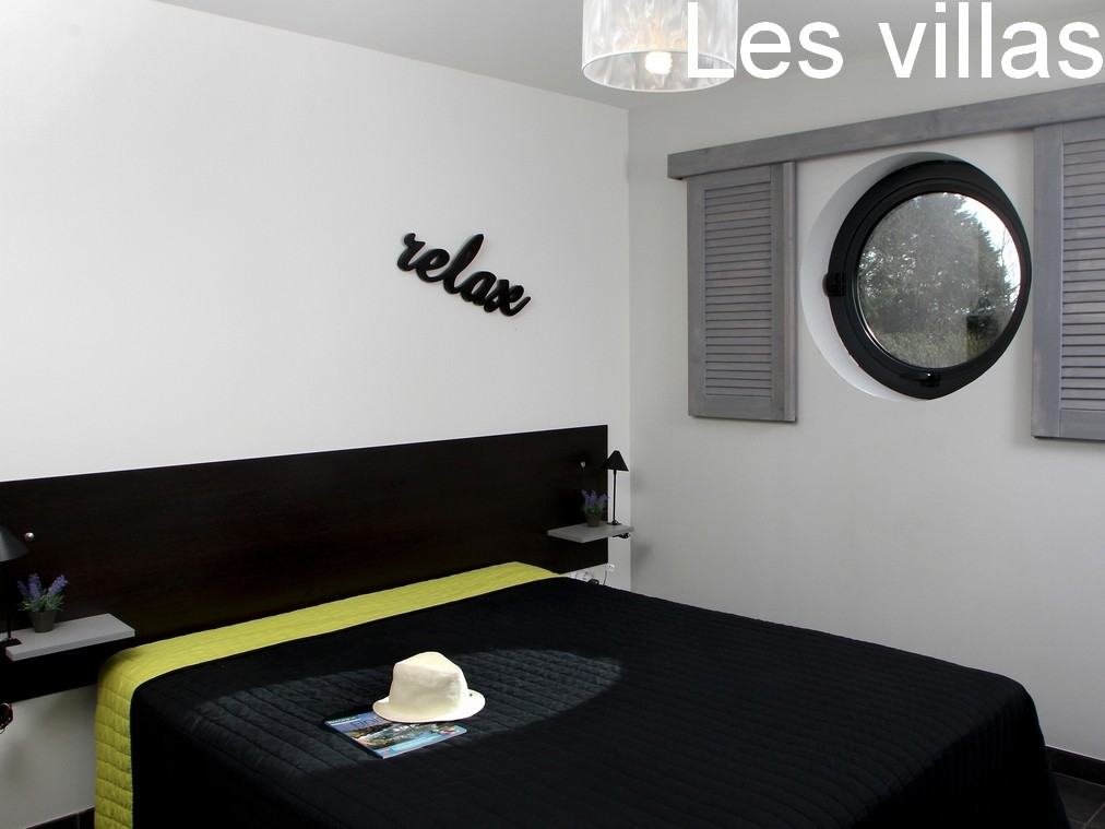 Villas : Bedroom with the large bed 160x200