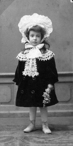 Ilse Seligmann, ca 3 Jahre alt