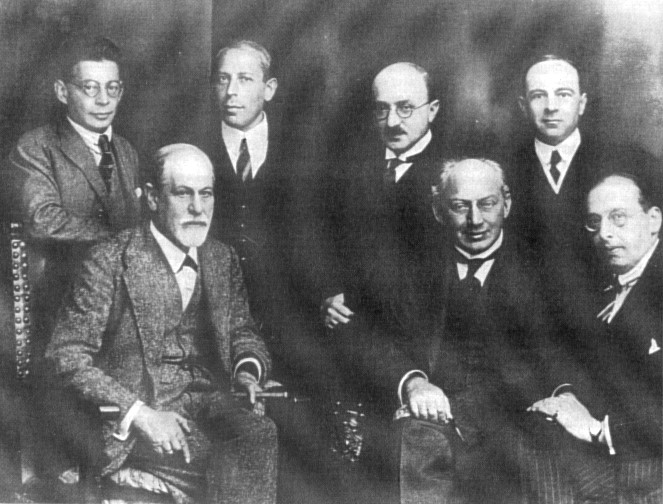 Berliner Kongress 1922. H.R.: Rank, Abraham Eitingon Jones; V.R.: Freud, Ferenczi, Sachs