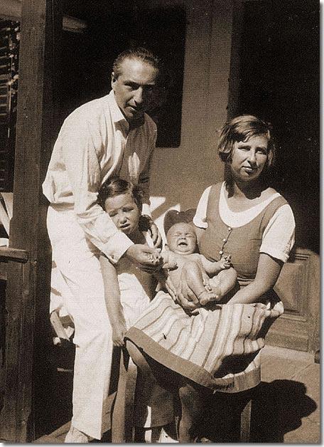 Wilhelm und Annie Reich mit Eva und Lore