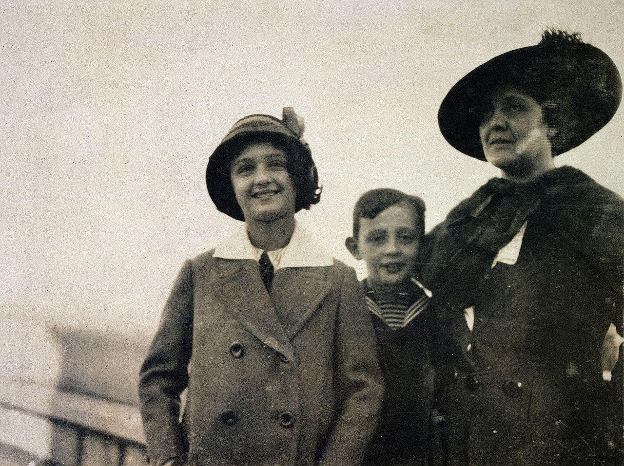M.Klein mit Melitta und Hans