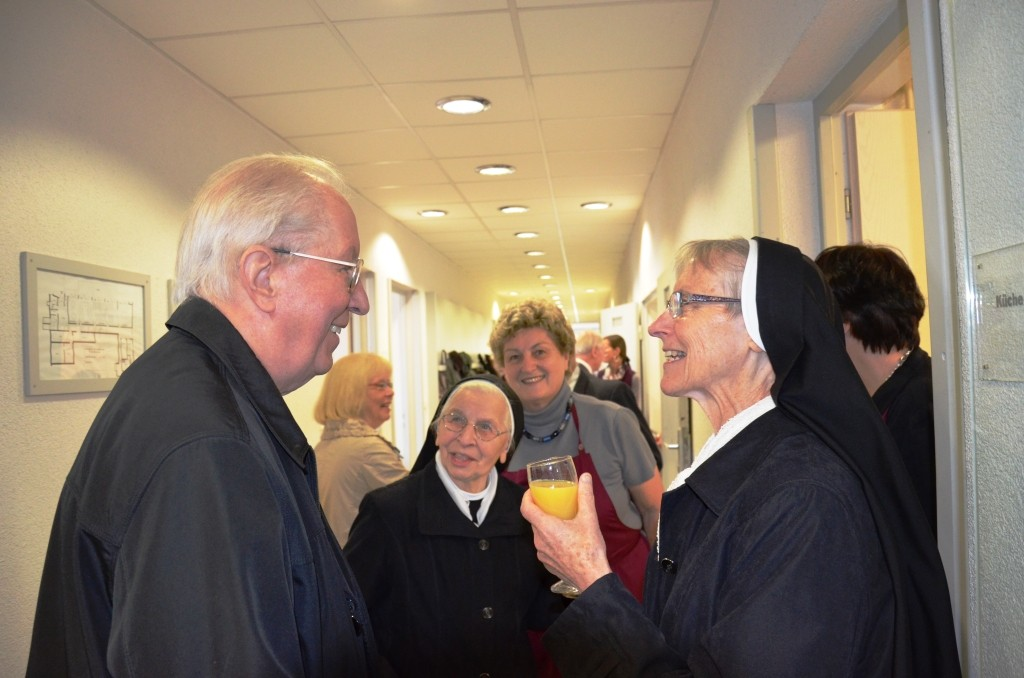 Wir gratulieren sehr herzlich zum 50. Priesterjubiläum!