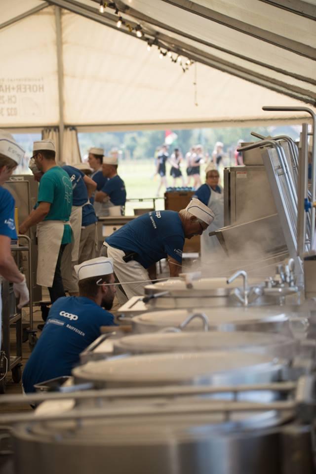 Festküche beim Turnfest.
