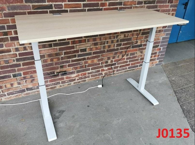 Rohde & Grahl Elektrisch höhenverstellbarer Schreibtisch