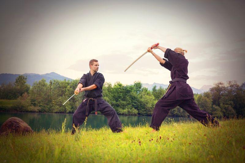 sowie der Umgang mit traditionellen japanischen Waffen.