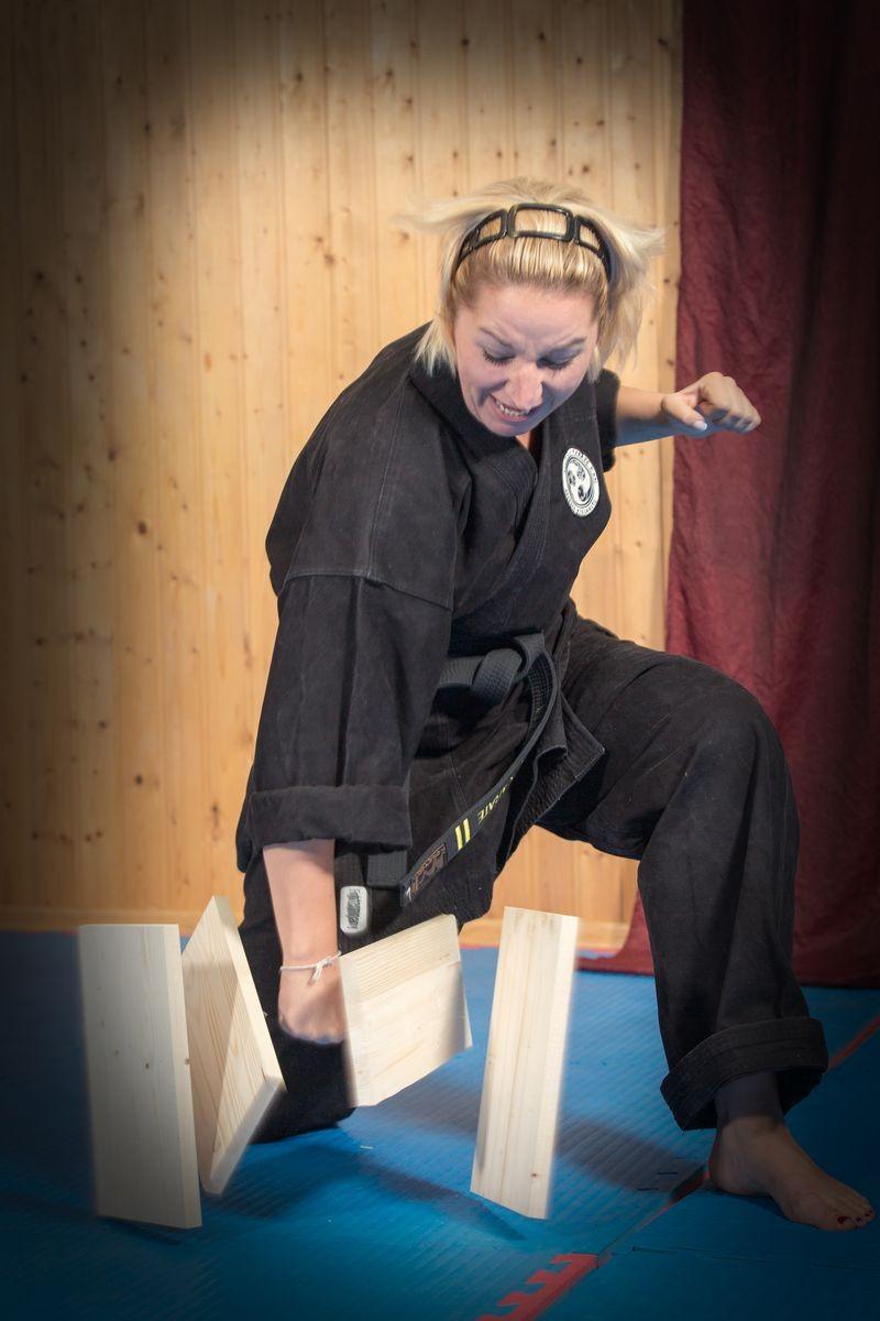 Ziel der Kampfkunst im Shorin Kan Dojo Sonthofen ist die Fokusierung von Energie