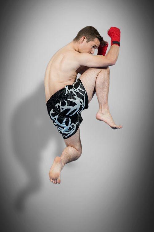 Es fließen auch Elemente des Muay Thai ins Training ein