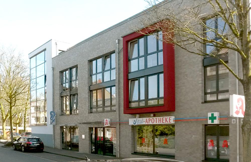BV Willich/ 001 - Ärztehaus mit Tiefgarage - Rohbauerstellung - Klinkerarbeiten