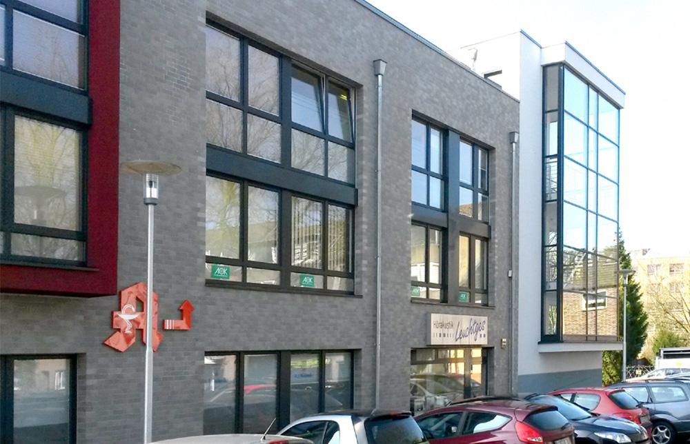 BV Willich / 001 - Ärztehaus mit Tiefgarage - Rohbauerstellung - Klinkerarbeiten