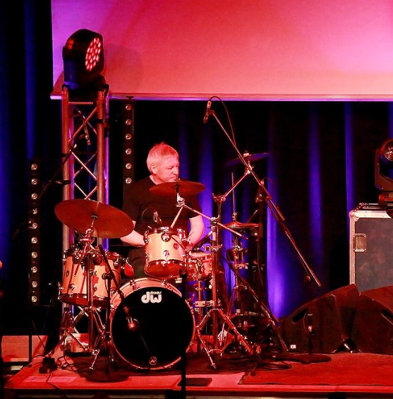 "Mathias ""Mecki"" Weckbrodt  (Drums & Percussion, Gesang)"