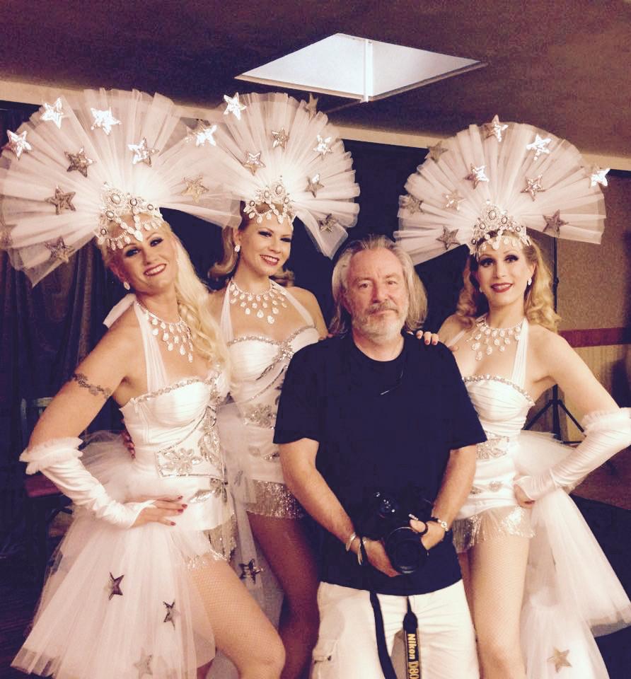 Showgirl Fotoshooting mit Blonde Bombshell Burlesque und Fotograf Martin Dürr