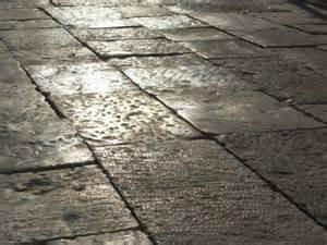 Pavimento Esterno In Pietra : Pietra per pavimenti iozzelli magazzini edili