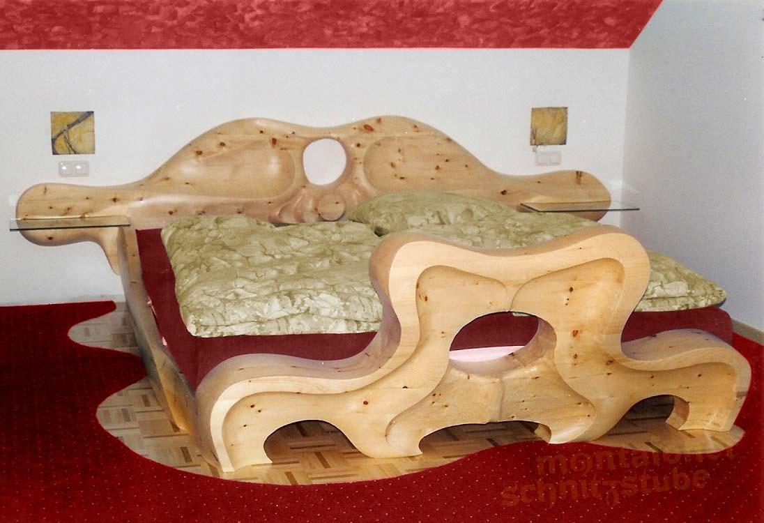 Montafoner Schnitzstube Sonderanfertigung Massivholz geschnitzt