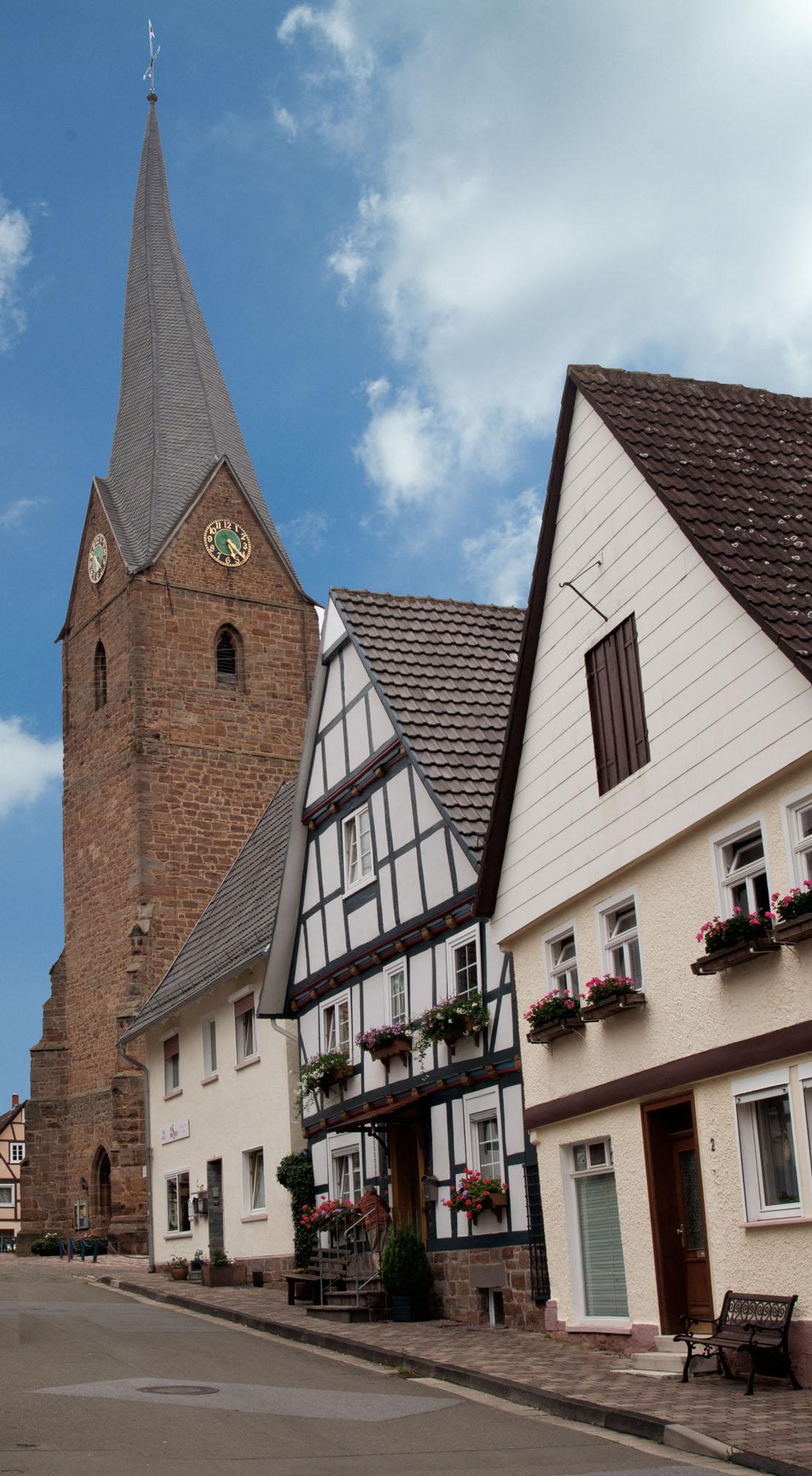 Fachwerkstadt Mengeringhausen mit St.Georg-Kirche