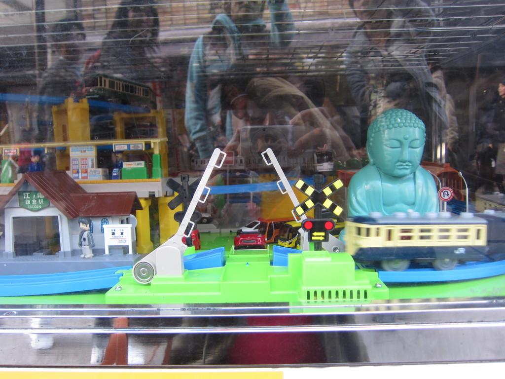 鎌倉仕様のプラレール。もちろん走るのは「江ノ電」