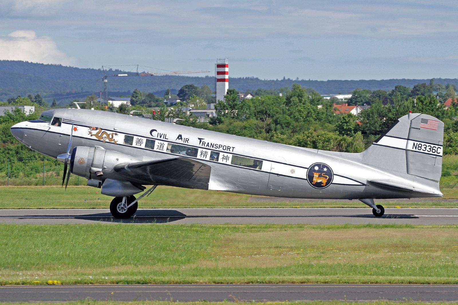 N8336C - Diese Douglas DC-3A wurde als C-53-DO von Douglas in Santa Monica gebaut und am 29. Juni 1942 als 42-47371 an die USAAF geliefert. Neben anderen Betreibern wurde sie vom 19. December 1949 bis 22. Juli 1953 von CAT in Taipeh als N8336C genutzt.