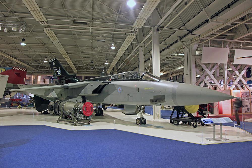 Tornado F.3, vor wenigen Jahren sah ich ihn noch in Leuchars fliegen.