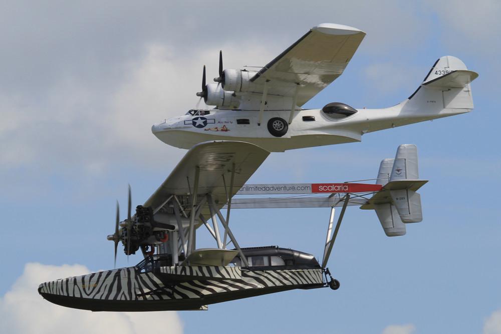 Foration der Wasserflugzeuge Catalina und Sikorsky S-38.