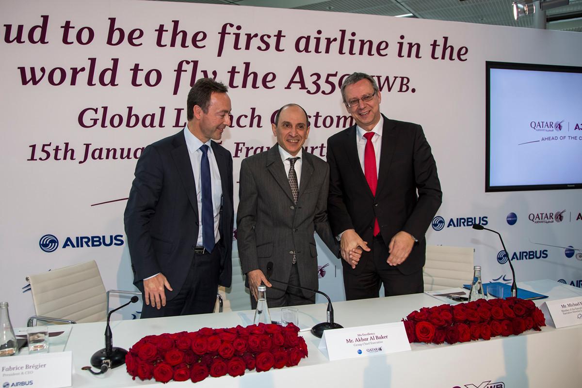 Fabrice Brégier (CEO Airbus), Akbar al Bakar (CEO Qatar Airways Group) und Michael Müller (Vorstand Fraport)