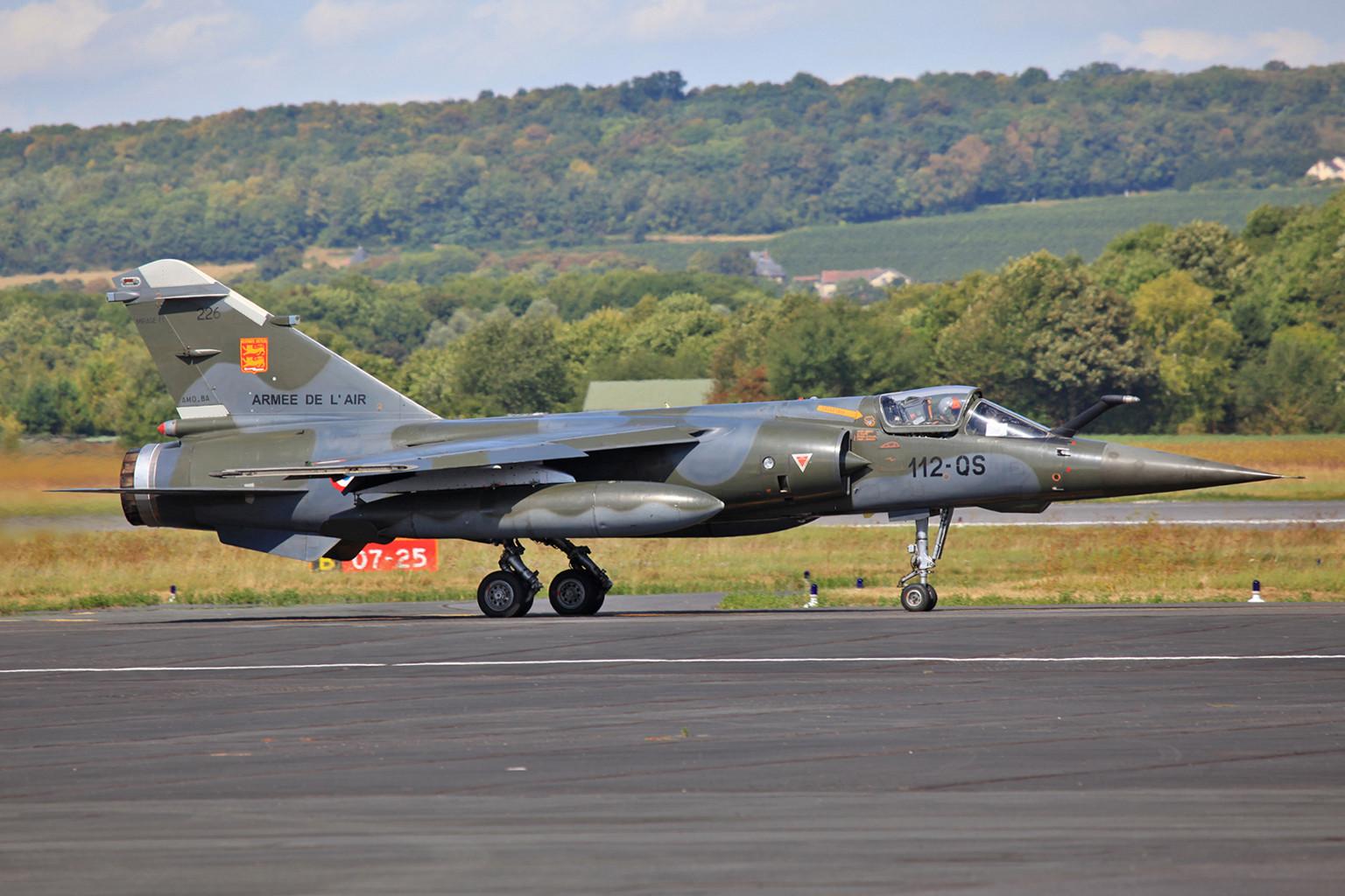 """Mirage F-1CT """"226"""" auf dem Weg zu einer Übungsmission."""