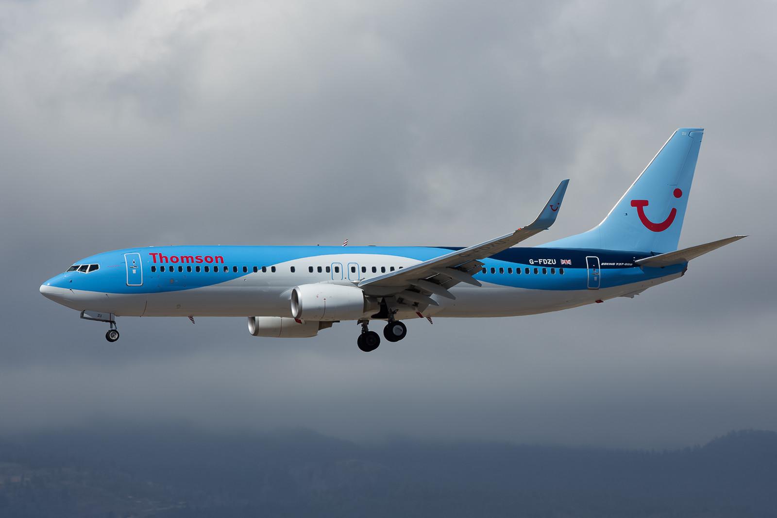 G-FDZU, eine recht neue Boeing 737-8K5 des britischen TUI-Ablegers Thomson.