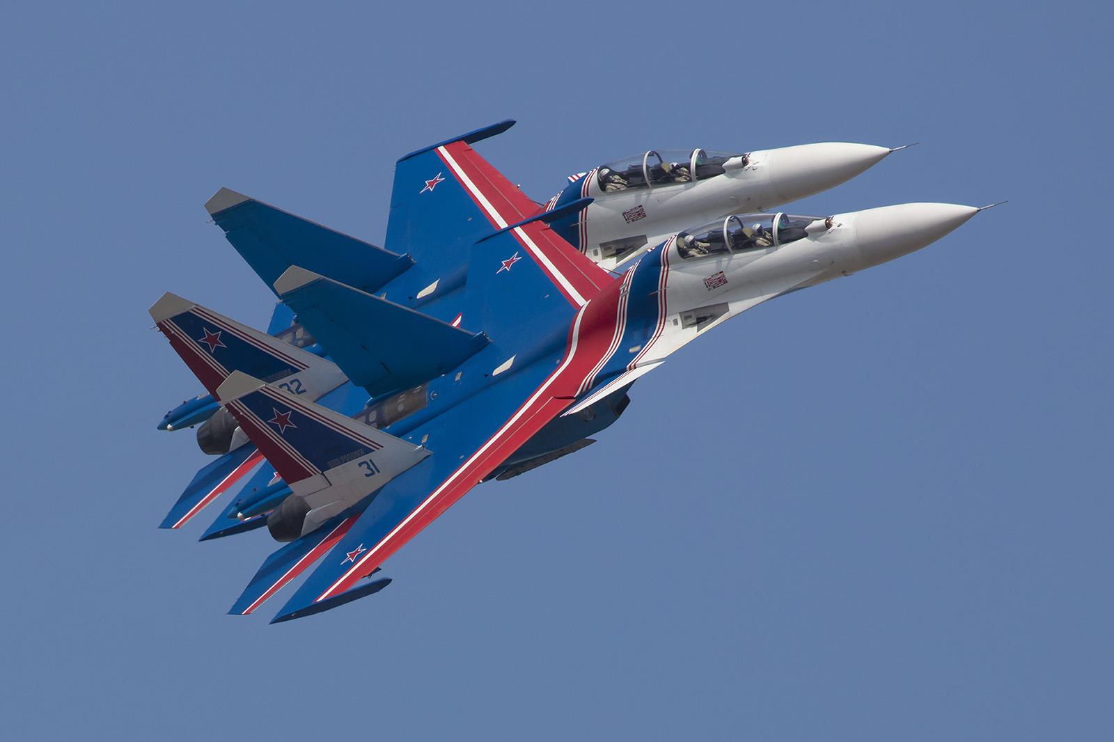 """Seit 2017 fliegen die """"Russian Knights"""" die Su-30."""