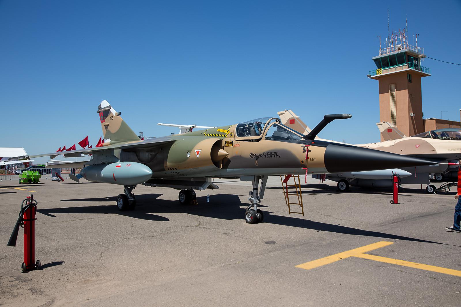 Dank mehrerer Upgrades immer noch gut in Schuss und zeitgemäß, die Mirage F-1CM aus Sidi-Slimane.