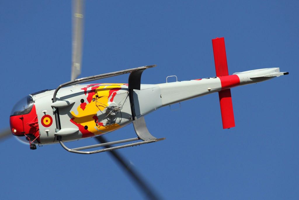 Training der Patrulla ASPA mit dem EC-120 Colibri.