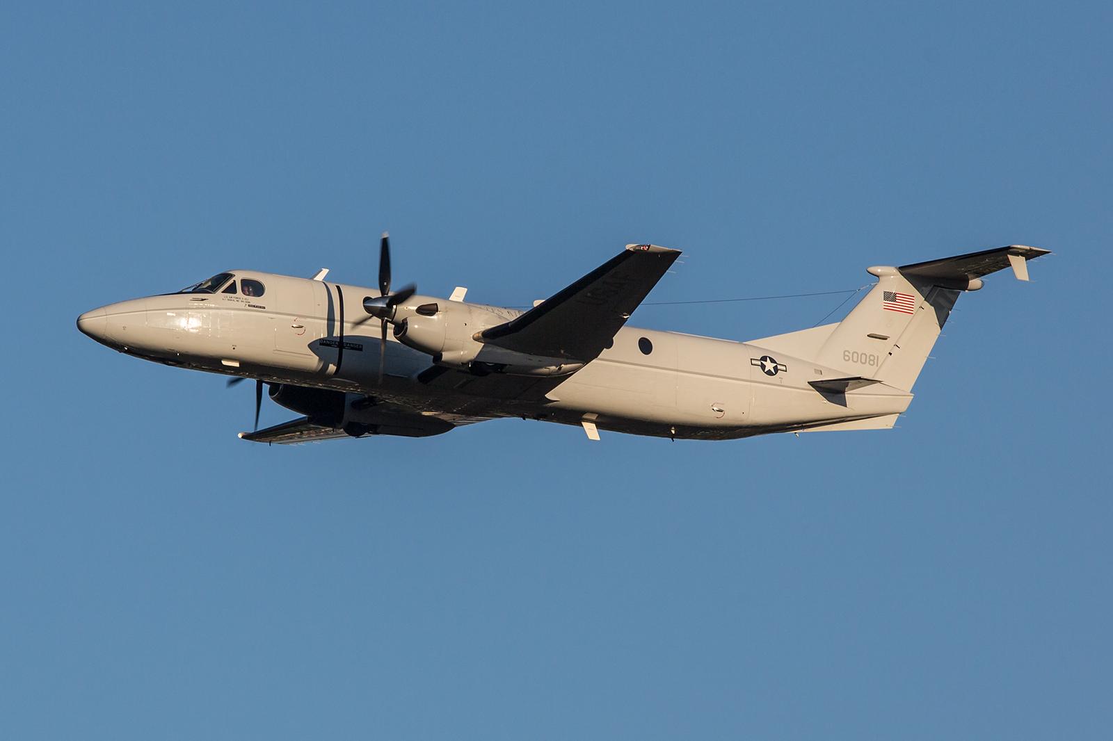 C-12 der US Air Force aus Yokota, zusammen mit einer UH-1 die einzigen Gäste aus dem Ausland.