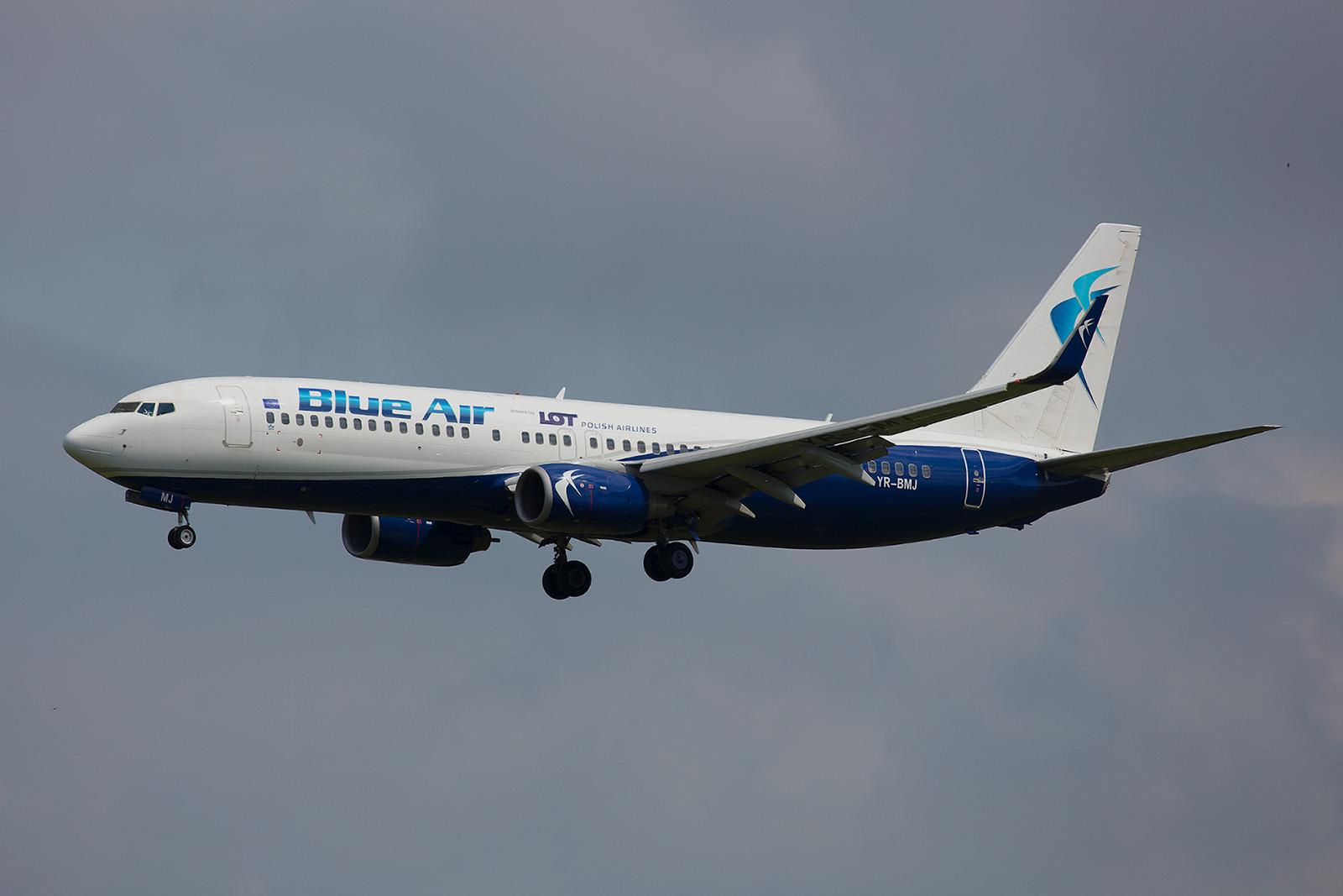 Um Engpässe in der Passagierkapazität zu kompensieren, hat LOT zwei Boeing 737 bei der rumänischen Blue Air gemietet.