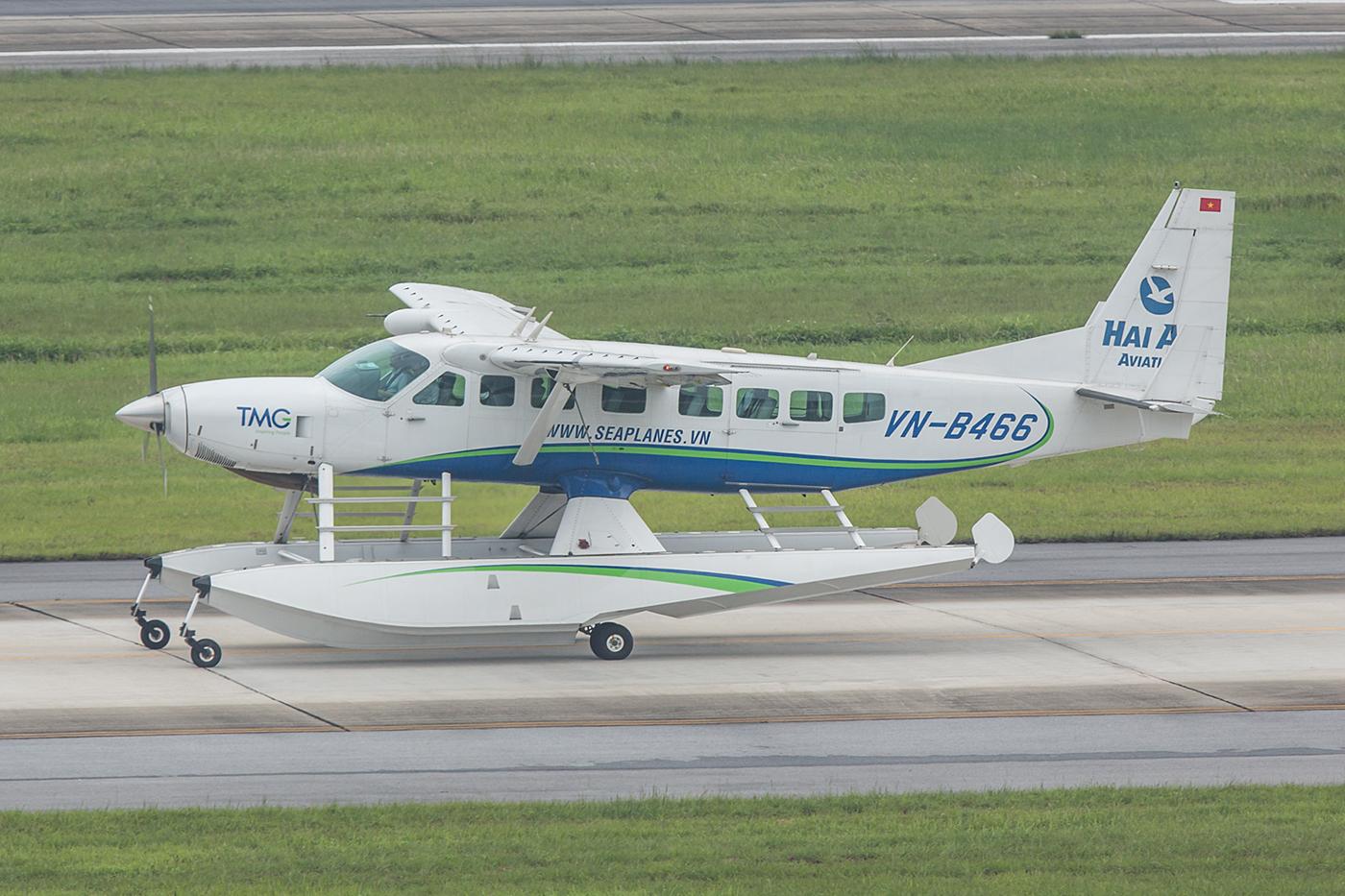 Mit diesen Cessna 208 kann man ab Hanoi Rundflüge über Halong Bay machen, für rund 550 $.