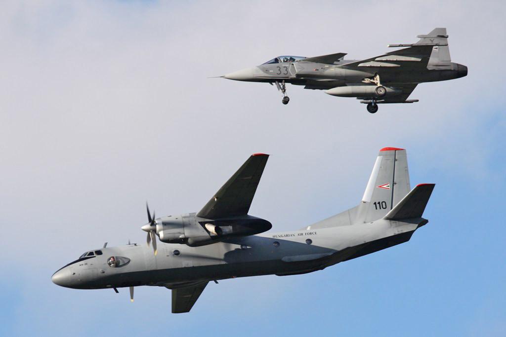 Vorführung einer QRA-Mission mit AN 26 und SAAB JAS 39.