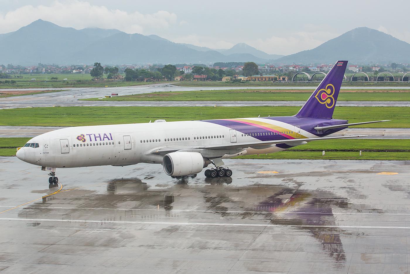 Thai Airways kommt täglich mit Boeing 777-200.