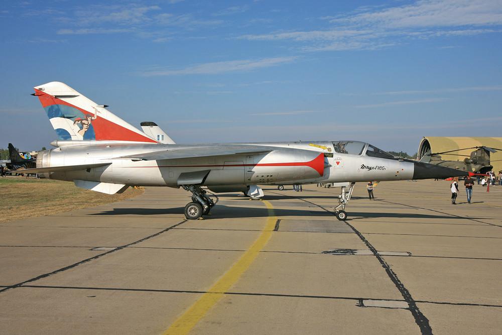 ebenso wie die Mirage F-1 und.....