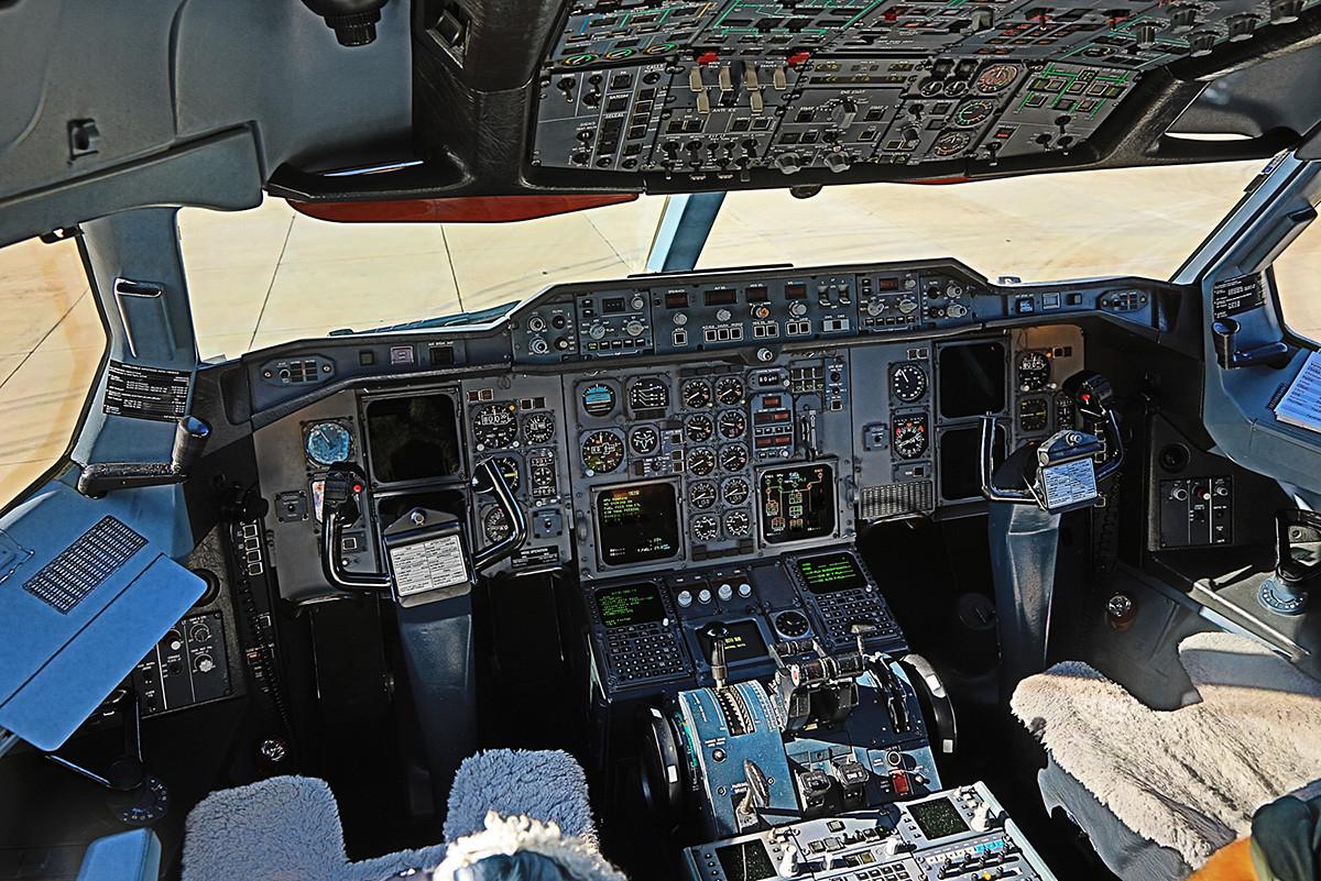 Das Cockpit der Hermann Köhl, die Maschine kam gebraucht von der Lufthansa.