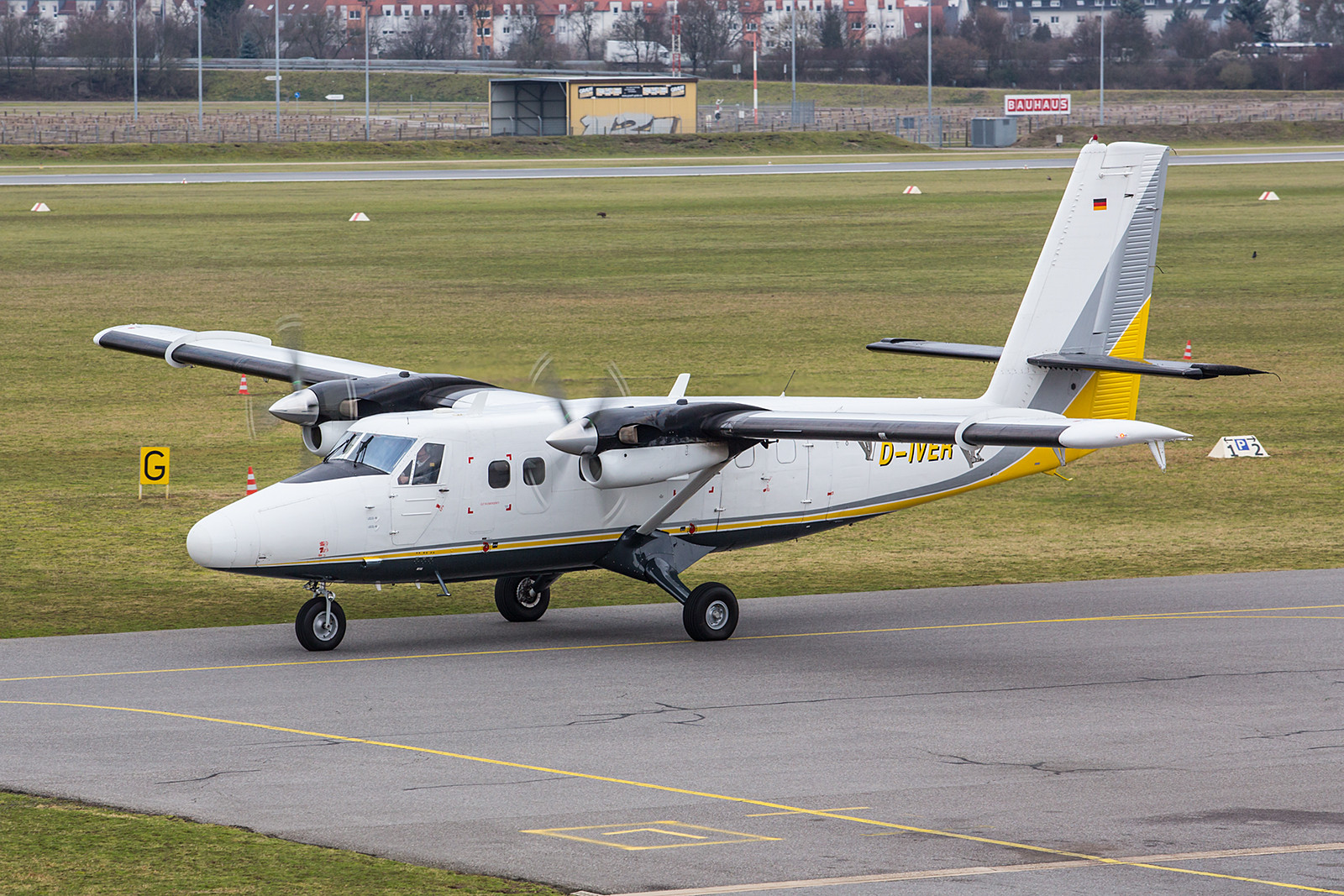 EDFM 17.02.2016; D-IVER De Havilland Canada DHC 6-300 Twin Otter Businesswings