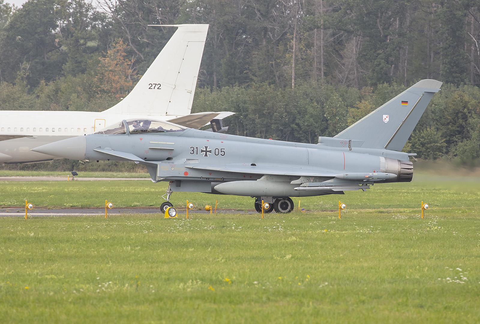 Geübt wurden Luftkämpfe sowie Angriffe auf Bodenziele.