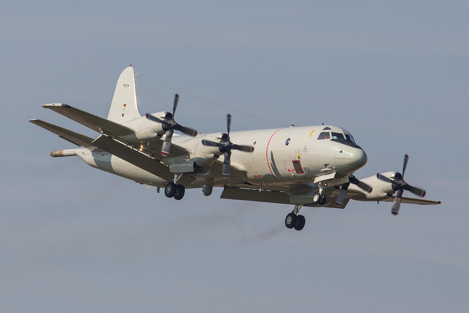 Nach dem Überflug kommt die Orion zur Landung.