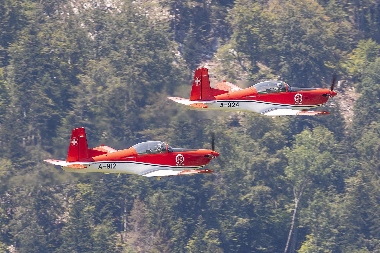 Hier die zwei PC-7 bei Abflug.