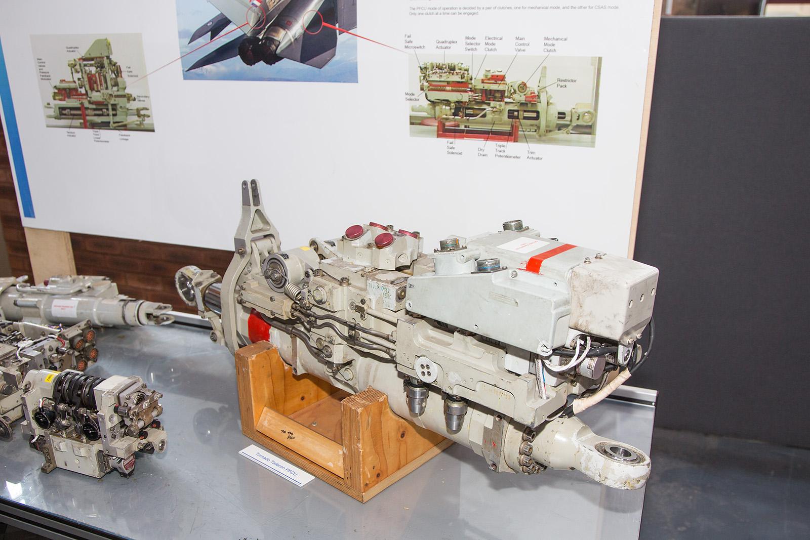 Das Hydraulikaggregat der Tornado, vier parallel arbeitende Systeme sorgen für Sicherheit.