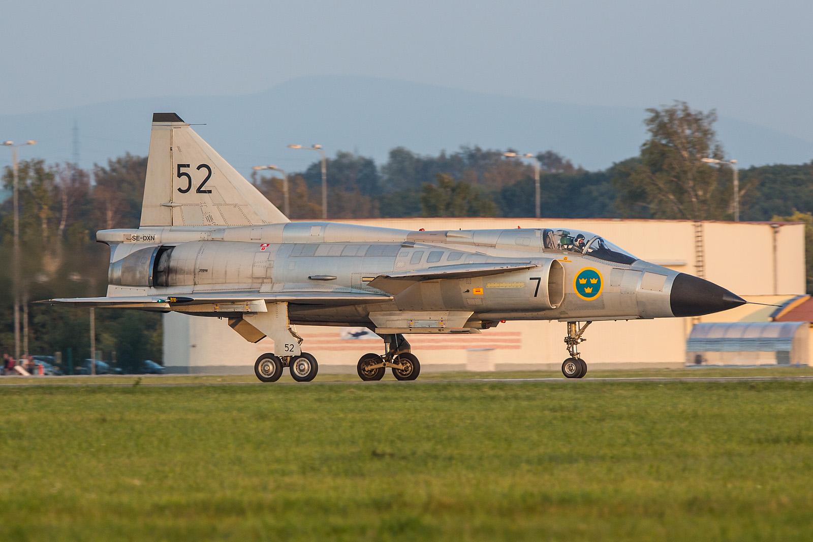 Das Beste zum Schluß, einer der schönsten Fighter die es je gab, SAAB ASJ-37 Viggen.