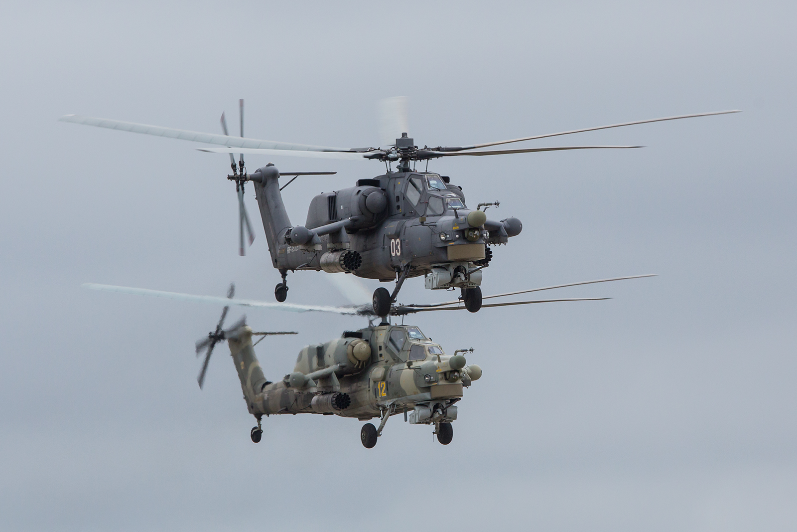 Zwei Mi-28 in Formation.