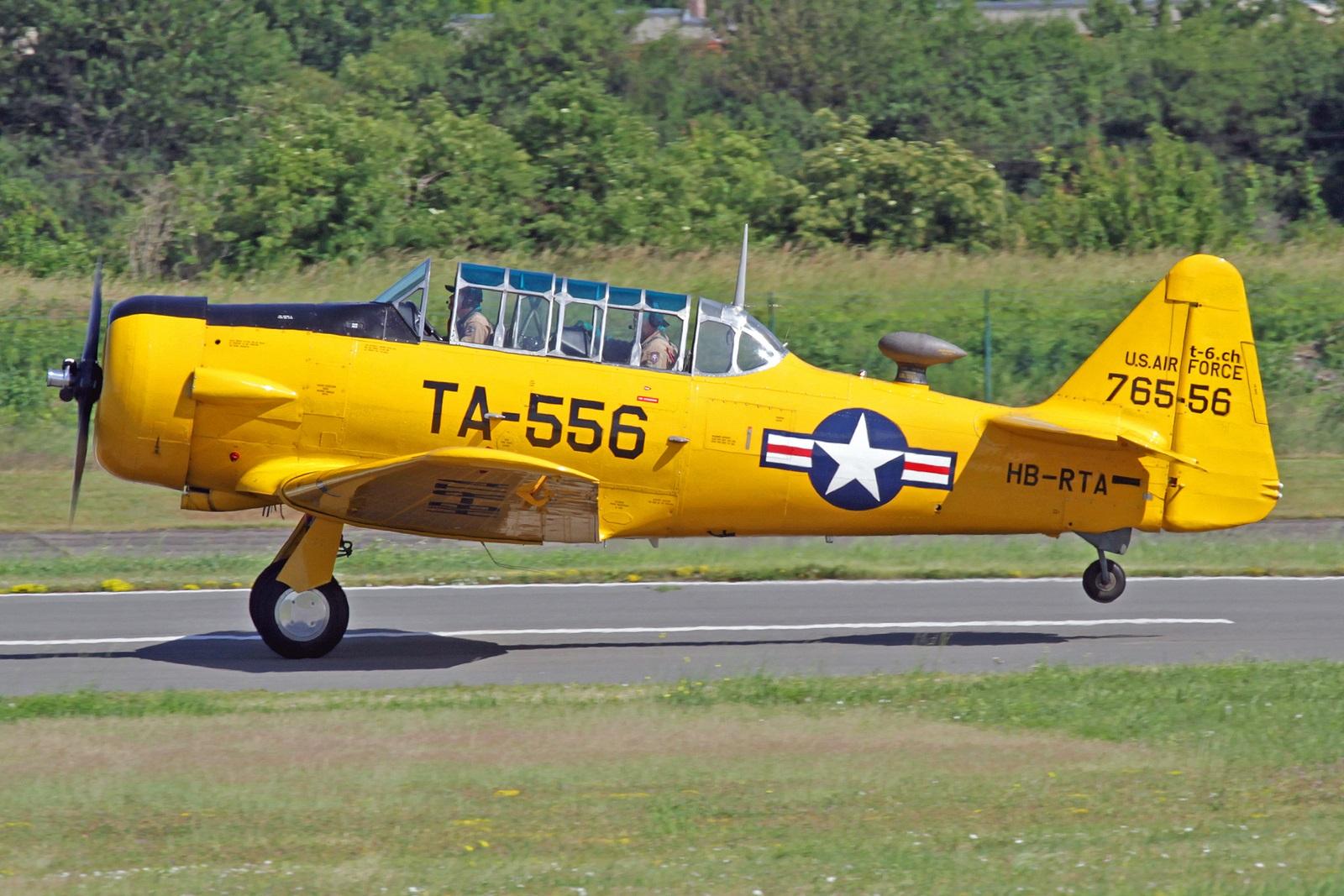 HB-RTA - Diese North American AT-6A Texan wurde am 7. Juli 1941 mit der Kennung 76-3556 in Inglewood fertig gestellt, danach jedoch als Harvard IIA und der Kennung  AJ586 von der Royal Air Force übernommen.