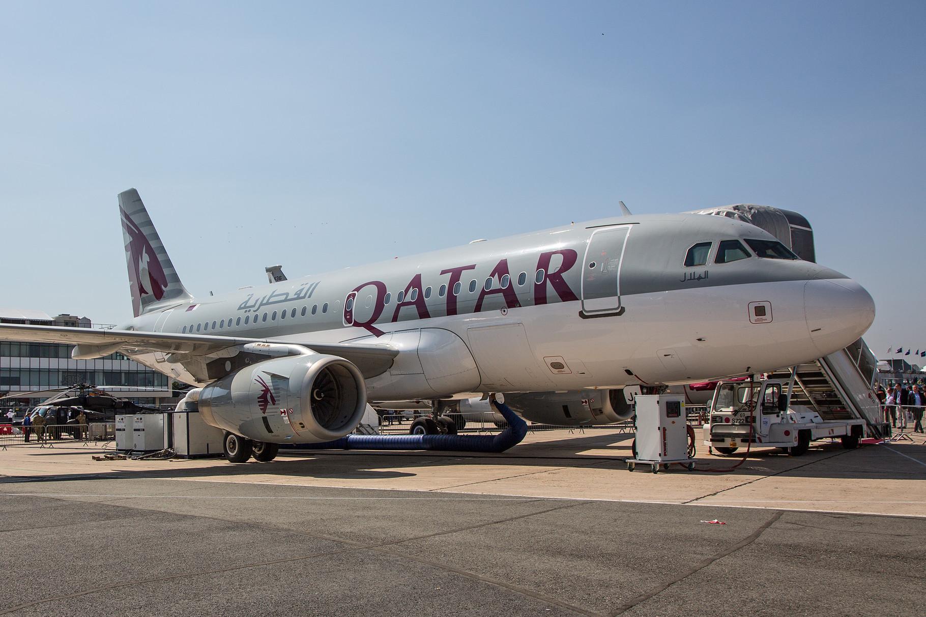 Einer von zwei Airbussen A 319 der Qatar
